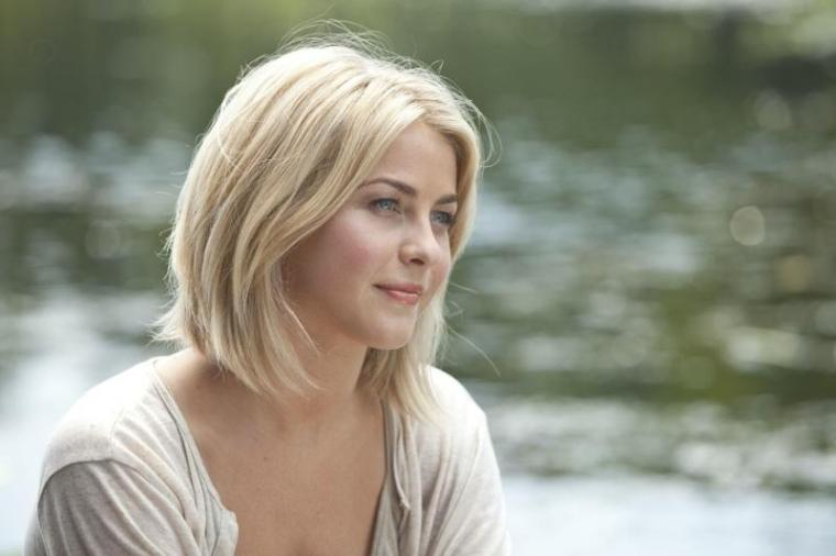 safe-haven-julianne-hough-hair-142959255