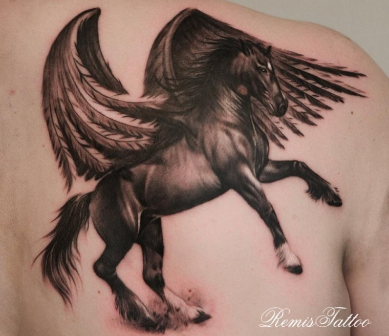 lovely_dark_horse_with_wings_tattoo_on_shoulder_blade_by_remis.jpg.pagespeed.ce.BV8ta5ptpC